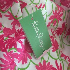LILLY PULITZER DRESS This adorable and classic dress from Lilly Pulitzer is NWT and a perfect addition to you closet. Oh so soft cotton and back zip closure. Very flattering! Lilly Pulitzer Dresses