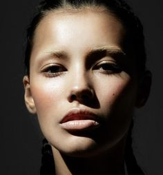 Nude face looks impeccable, but of course it doesn't hurt to be a freaking beautiful supermodel.