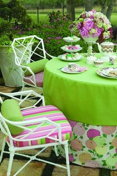 Stripes, blooms and solids combine for an elegant garden party