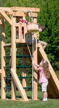 16 Fun and Playful Backyard Projects For Kids – Hinterhof Kids Outdoor Play, Outdoor Play Spaces, Kids Play Area, Backyard For Kids, Backyard Projects, Outdoor Fun, Projects For Kids, Outdoor Jungle Gym, Backyard Jungle Gym
