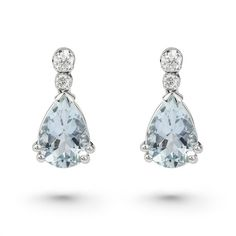 A pear shape aquamarine and diamond drop earrings (1.230.380 CLP) ❤ liked on Polyvore featuring jewelry, earrings, aquamarine jewellery, aquamarine diamond earrings, aquamarine jewelry, aquamarine earrings and diamond drop earrings