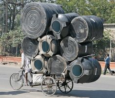 Interesting Movement Problem cadenced: Clive Limpkin photo of an overloaded cyclist in Jaipur, India. Tricycle, Incredible India, Amazing, Cargo Bike, People Of The World, Les Oeuvres, Carry On, Transportation, Weird