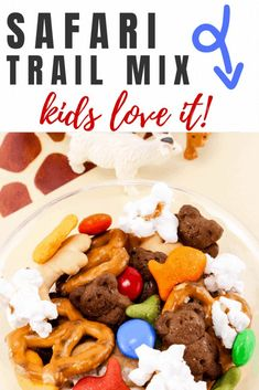 Check out this simple nut free food. Kids Snack Mix, Easy Snacks For Kids, Quick Snacks, Kids Meals, Snack Mixes, Kid Snacks, Nut Free Trail Mix Recipe, Trail Mix Recipes, Picknick Snacks