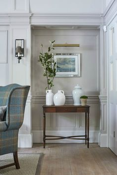 New Forest Manor Drawing Room Living Family Room Design Detail English Country Traditional by Sims Hilditch Living Furniture, Home Furniture, Bespoke Furniture, Antique Furniture, English Living Rooms, Townhouse Interior, Drawing Room Design, Sims, English Country Decor