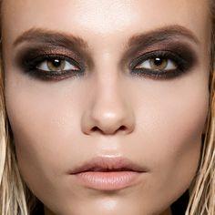 Стробинг: горячий тренд, который преобразит твое лицо всего за5 минут!