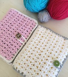 link for instructions for cute diy crochet needle case Crochet Hood, Crochet Needles, Cute Crochet, Crochet Crafts, Crochet Projects, Knit Crochet, Crochet Scrubbies, Diy Crochet Hook Case, Crochet Book Cover