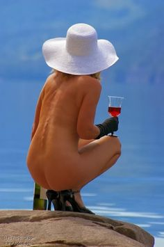 Beautiful colorful pictures and Gifs: Woman Drinking