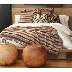 lotus & fig: Earthy Neutrals: Vivaterra's Home Collection. Guest bedroom