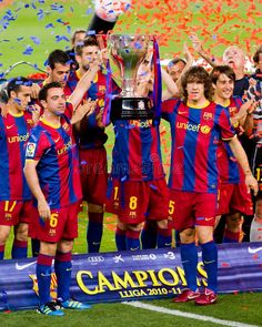 FC Barcelona Wins The League Editorial Photography - Image of celebration, spain: 20155372 Barcelona Team, Barcelona Football, Xavi Barcelona, Image Photography, Editorial Photography, Xavi Hernandez, Best Resume Template, Football Players, Champion