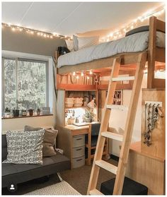 Dorm Room Designs, Room Design Bedroom, Room Ideas Bedroom, Small Room Bedroom, Dorm Room Layouts, Dorm Layout, Dorm Room Themes, Small Apartment Bedrooms, College Bedroom Decor