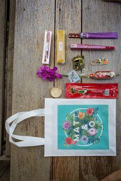 ou toute couleur Personnalisé Mariage Unity Candle Set Cadeau Souvenir Cadbury Violet