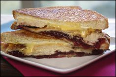 Gobble, Gobble Cranberry Grilled Cheese   PER SERVING (entire recipe): 305 calories, 6g fat, 886mg sodium, 35g carbs, 5.25g fiber, 13g sugars, 27.5g protein -- PointsPlus®value 7*