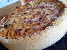 This is a Brazilian Patty - translated, it looks like something really worth trying. A bit like a very fancy quiche, by the sounds of it. Quiches, Camembert Cheese, Brazil, Recipes, Fancy, Natural, Food, Spices, Tailgate Desserts