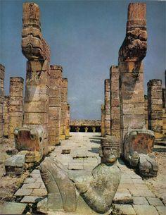 Templo de Las Mil Columnas Más