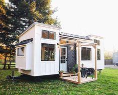 Tiny House Big Living, Small Tiny House, Modern Tiny House, Tiny Houses For Sale, Tiny House Plans, Tiny House On Wheels, Tiny House Design, Big Houses, Little Houses