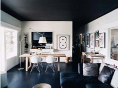 I like this room, the black with the white.