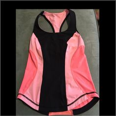 Lululemon razor back tank in two tone peach Perfect tank for yoga or the gym, fitted tank with mesh down back for air venting. Built in bra, this tank holds you in place. It has it all and so comfy. lululemon athletica Tops Tank Tops