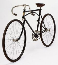"""1910 Labor """"Tour de France"""" Front and rear one-sided fork."""