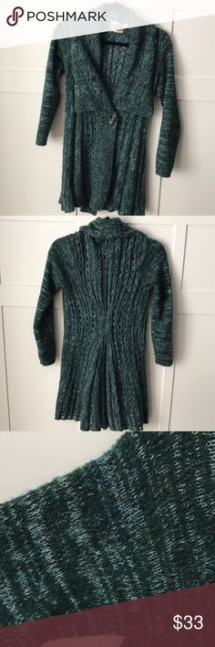 Anthropologie Marled Knit Sweater Beautiful teal sweater w/ large button detail. Lightweight knit.  No rips or pilling.  Check out the rest of my closet to bundle and save! Anthropologie Sweaters Cardigans