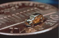 The world's tiniest cart, about the size of a grain of rice. The engine runs at 600rpm!