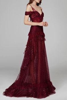 Cream & Scream — chandelyer: Hamda Al Fahim fall 2018 couture Lovely Dresses, Beautiful Gowns, Elegant Dresses, Beautiful Outfits, Formal Dresses, Couture Mode, Couture Fashion, Fantasy Gowns, Couture Dresses