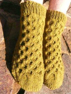 Ravelry: burntviolet's Birthday socks - free knitting pattern