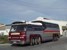 Bus Stop Classics: Sultana TM 40 SP – Southern Scenicruiser Vintage Trucks, Old Trucks, Bus House, Bus Coach, Bus Stop, American Country, Tandem, Custom Cars, South America