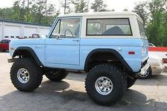 1974-Ford-Bronco-with-brand-new-Ford-302-Racing-Engine