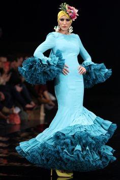 Traje de Flamenca - Patricia-Bazarot - Simof-2017 Flamenco Costume, Flamenco Dresses, Spanish Costume, Retro Fashion, Fashion Show, Frou Frou, Wedding Dinner, African Print Fashion, African Dress