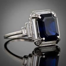 Resultado de imagen para rubies.work/... Emerald & baguette diamonds look beautiful in this Art Deco piec