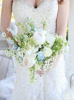50 Blooming Beautiful Bouquets! #weddingchicks http://www.weddingchicks.com/50-blooming-beautiful-bouquets/