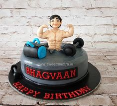 Gym theme customized designer fondant cake with body builder figurine for boyfriend's birthday at Pune 21st Birthday Cake For Guys, Birthday Cake For Boyfriend, Funny Birthday Cakes, Birthday Cake With Photo, Cake Birthday, Birthday Parties, Happy Birthday, Body Builder Cake, Muffins Decorados