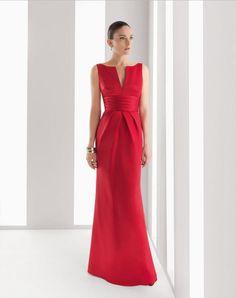 209 (Vestido de Fiesta). Diseñador: Rosa Clará.  Vestido de raso de seda. Disponible en Marino, Rosa Palo, Amatista, Morado, Negro, Fucsia, Verde, Plata, Azul, Plomo y ...
