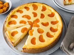 Mandarin cheesecake - a quick classic Pastry Recipes, Baking Recipes, Quick Recipes, Pastry Logo, Puff Recipe, Pastry Shop, Baking And Pastry, Eating Habits, Cake Cookies