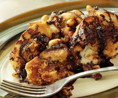 Coffee Stout and Chocolate Bread Pudding - Beer is often called liquid bread. So, it only makes sense to use it when baking bread pudding, right? The use of a coffee stout lends a level of complex bitterness and aromatics to a sweet rich dish. Best Bread Pudding Recipe, Chocolate Bread Pudding, Chocolate Babka, Pudding Recipes, Bread Recipes, Pudding Cake, Chocolate Chips, Pudding Ideas, Chocolate Croissant