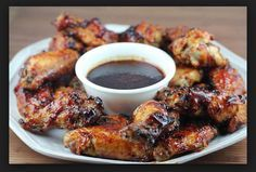 Fire Up the Grill for Our Favorite BBQ-Worthy Recipes Honey Bbq Chicken Wings, Chicken Wing Sauces, Grilled Chicken Wings, Grilled Chicken Recipes, Chicken Wing Recipes, Grilling Recipes, Healthy Dinner Recipes, Easy Recipes, Easy Meals