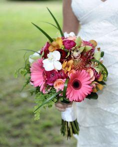Wedding Bouquet, I LOVE Gerber daisies!!