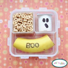 Cute Halloween lunch ideas! http://www.kids-around-perth.com/halloween-in-perth.html