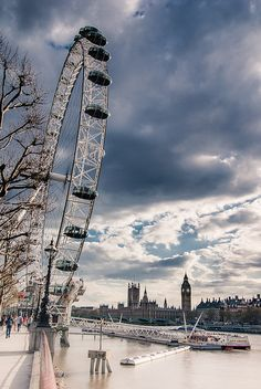 London Eye y Parlamento
