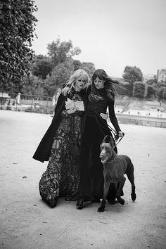 """Лара Стоун (Lara Stone) и Фрейя Беха Эриксен (Freja Beha Erichsen) появились в фотосессии """"Novel Romance"""" Питера Линдберга (Peter Lindbergh) для W Magazine."""