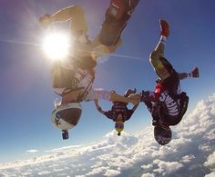 """""""Some wednesday fun !!! @gurustunts @twillyinthaheezy #skydive #skydiving #skydivegram #jointheteem #skydivespaceland #freefly #clouds @thecircovolante"""""""