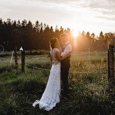 Carina Engle - Fotografie - Hochzeitsfotograf in Bayern Lace Wedding, Wedding Dresses, Couple Photos, Couples, Tricks, Sketches, Inspiration, Bavaria, Rainy Wedding