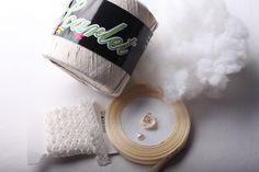 Návod na háčkované vintage srdíčko - materiál Christmas Ornaments, Crochet, Handmade, Granny Squares, Hand Made, Christmas Jewelry, Ganchillo, Christmas Decorations, Crocheting