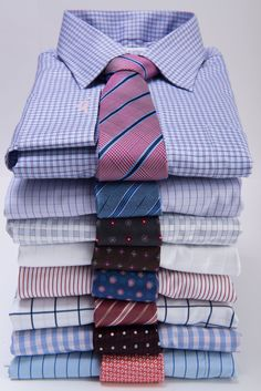 How to Match a Tie with a Dress Shirt