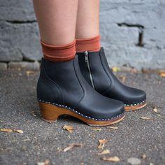 Women Casual Shoes High Hells Orange Sandals High Heel Formal Shoes Or – dahliarlily Formal Shoes, Casual Shoes, Women's Pumps, Shoes Heels, Orange Sandals, Clog Boots, Black Heels, Rubber Rain Boots, Chelsea Boots