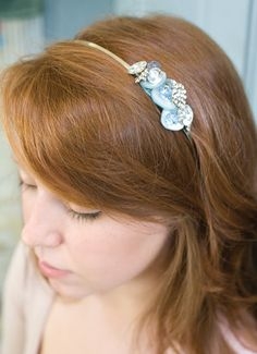 Shimmering Button Hairpieces How-to from Stitch Craft Create