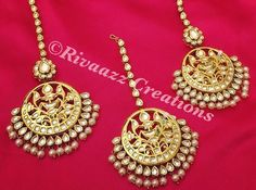 Kundan and pearls make for such a versatile and timeless combination. Set by Rivaazz Creations.