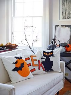 48 Wonderful Diy Halloween Living Room Decoration Ideas Find a spot t. Halloween Bat Decorations, Halloween Pillows, Theme Halloween, Halloween Bats, Halloween House, Paper Decorations, Halloween Ideas, Homemade Halloween, Halloween 2020