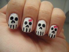 Algunas de nuestras clientes han disfrutado de unas uñas originales para esta noche de Halloween... Feliz Noche ¡¡¡brujillas preciosas!!!