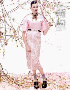 awesome Vogue Japão | Editorial Agosto 2013 | Bette Franke por Sharif Hamza